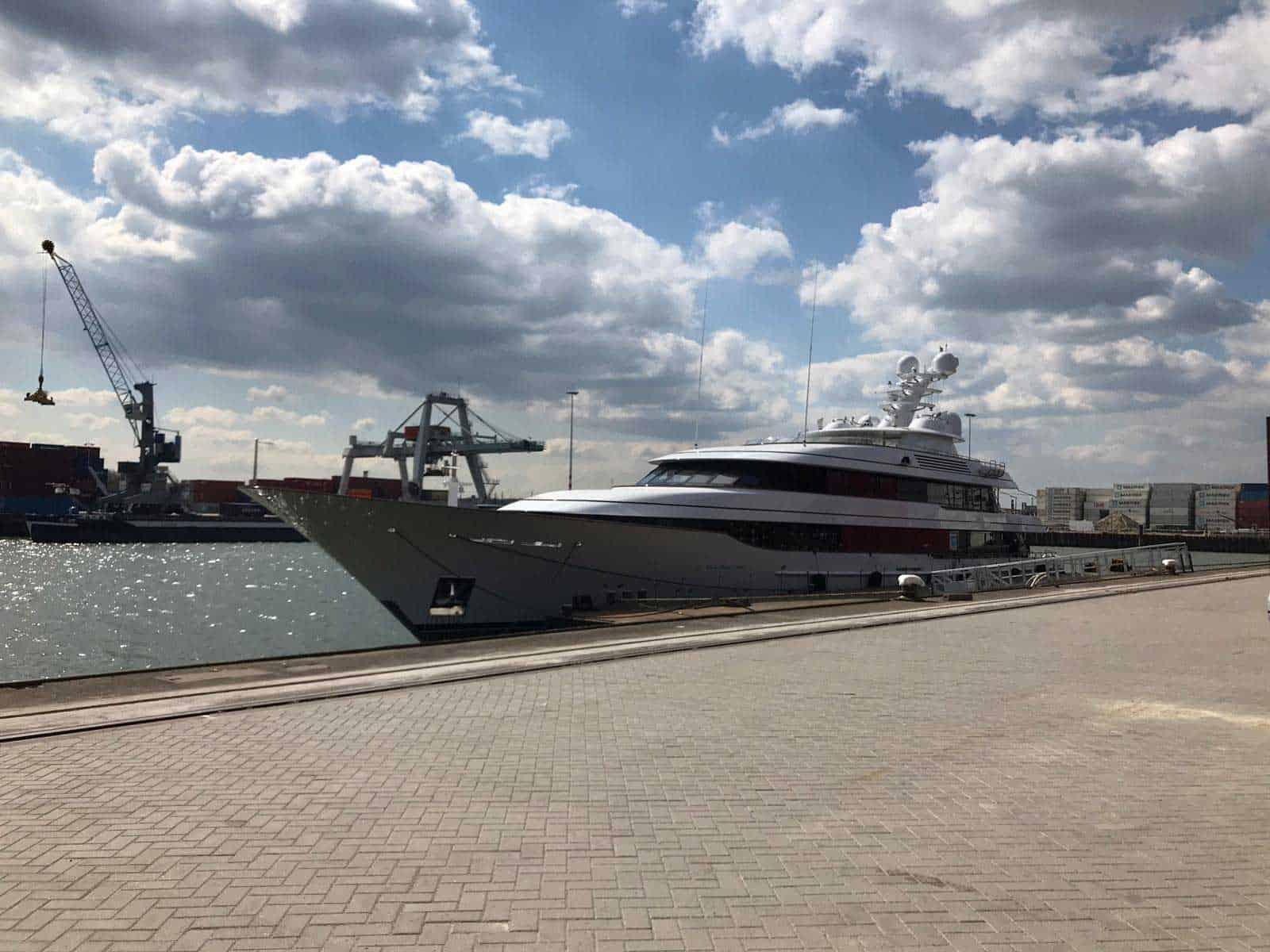 https://bridges2000.com/wp-content/uploads/2021/05/bridges2000-project-yacht-gangway-2019-04.jpg